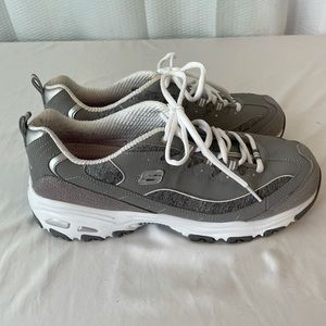 Sneakers 10 Skechers DLites Wide Fit Gray Leather